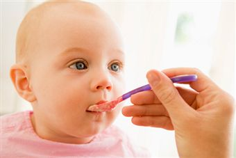 feeding-baby-solids